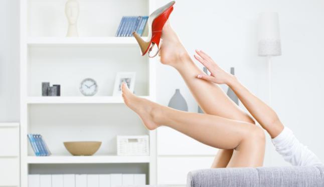 Claves para evitar hinchazón de pies en verano