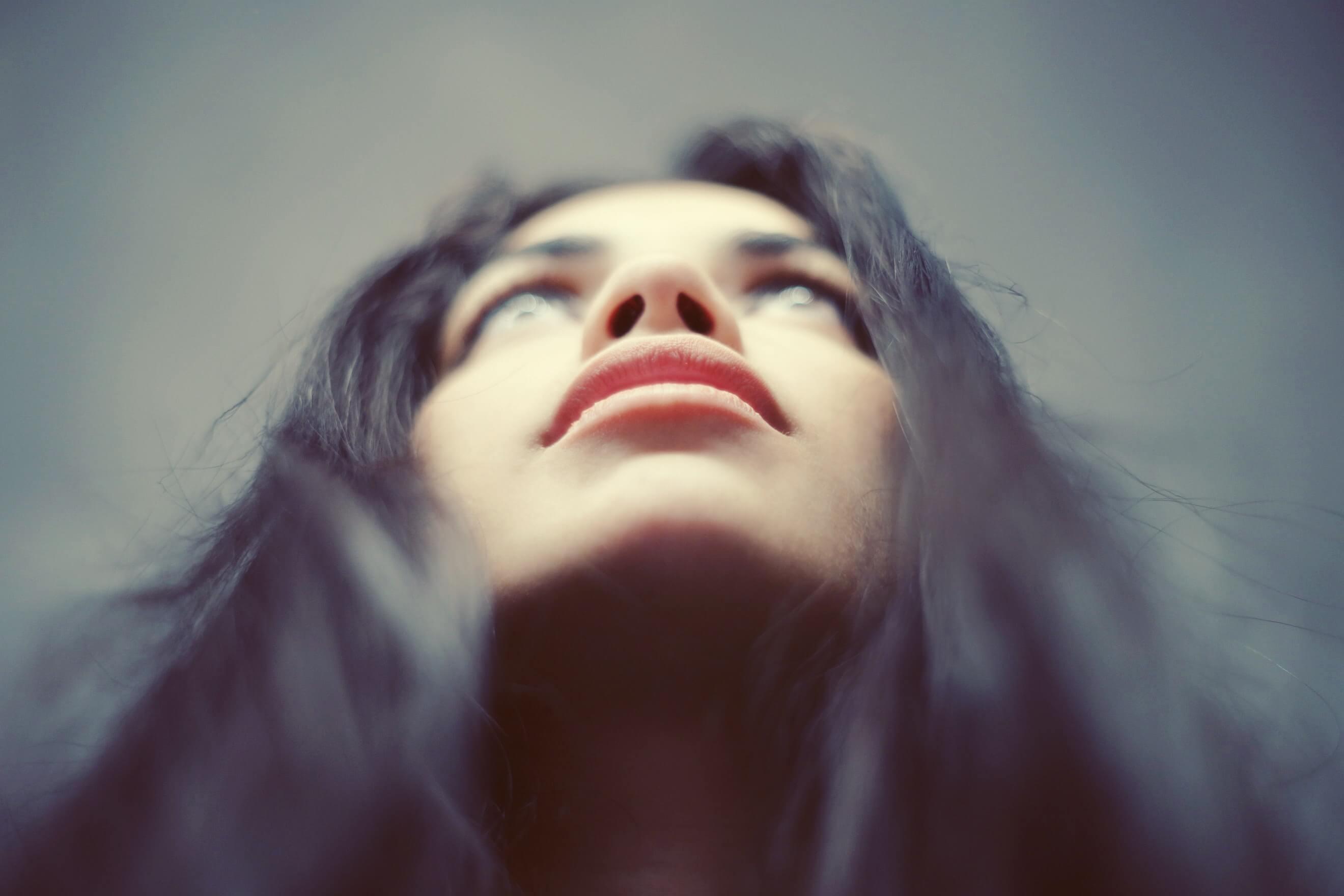 ¿Conoces los beneficios de la micropigmentación de cejas y labios?